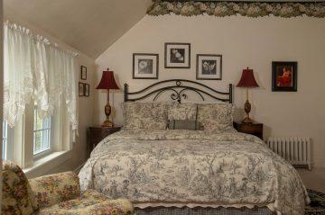 Topper Room